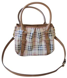 Burberry Northfield Haymarket Check Tote in Caramel