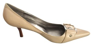 Marc Fisher Buff Pumps