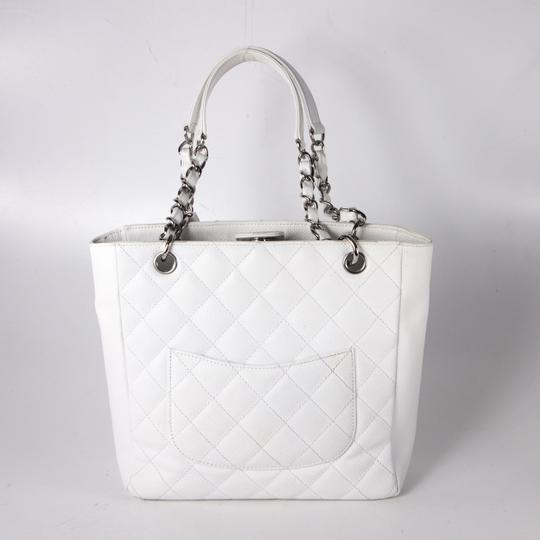 5b9fcadfb39df8 Chanel Quilted Bag Silver Chain   Stanford Center for Opportunity ...
