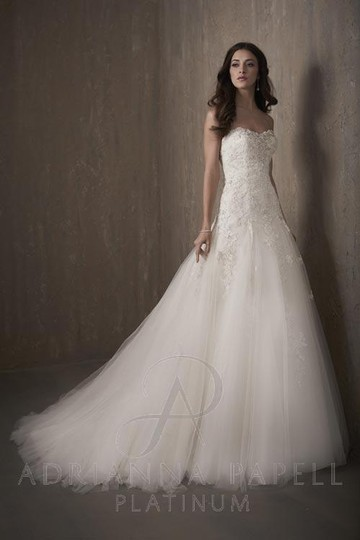 Preload https://img-static.tradesy.com/item/20731979/adrianna-papell-ivory-lace-and-tulle-31022-traditional-wedding-dress-size-14-l-0-0-540-540.jpg