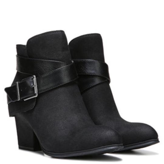 Preload https://img-static.tradesy.com/item/20732404/ankle-bootsbooties-size-us-75-narrow-aa-n-0-0-540-540.jpg