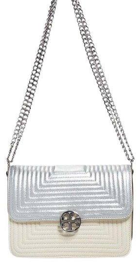 Preload https://img-static.tradesy.com/item/20732447/tory-burch-duet-chain-trapunto-convertible-whitesilver-leather-shoulder-bag-0-2-540-540.jpg
