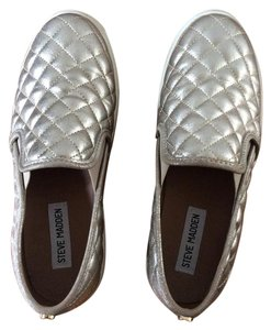 Steve Madden Quilted Leather Slip On Metallic gold Flats