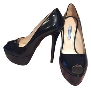 Prada Classic Peep Toe Patent Leather Platform black Pumps