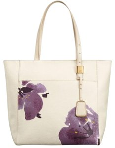 Tumi Gold Pull Through Pocket Jewelry Pocket Travel Personalize Monogram Tote in Cream/Floral Print