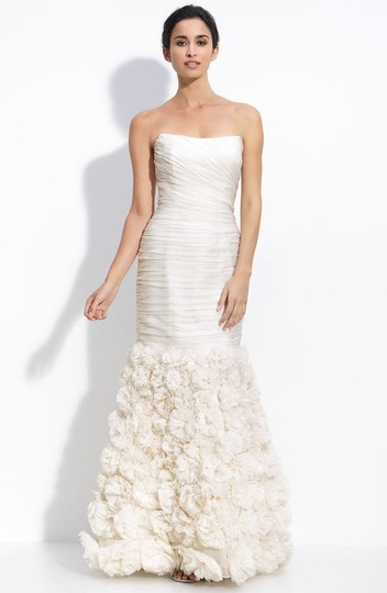 Theia Ivory Silk 890092 Strapless Rosette Gown Feminine Wedding Dress Size 4 (S) Image 5