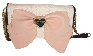 Betsey Johnson QUILTED ROSES OVER SIZED ZIP AROUND WALLET /CROSS BODY