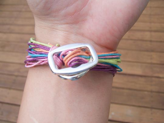 Mudd Multi Color Hemp String Toggel Bracelet NEW Image 1