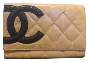 Chanel Chanel beige Cambon wallet with black patent CC