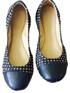 Saks Fifth Avenue Black and Creme Flats