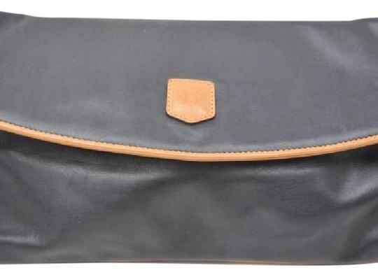 Preload https://img-static.tradesy.com/item/20735691/celine-folded-clutch-black-and-brown-calf-leather-clutch-0-1-540-540.jpg