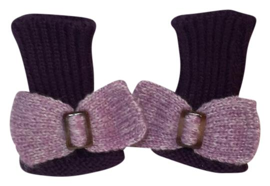 Preload https://img-static.tradesy.com/item/20735874/purple-and-pink-hand-knit-gloves-with-bow-scarfwrap-0-1-540-540.jpg