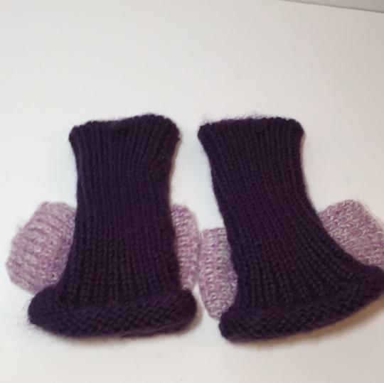 Other HAND KNIT GLOVES WITH BOW Image 3