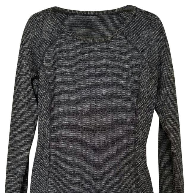Preload https://item1.tradesy.com/images/lululemon-black-and-white-running-activewear-top-size-10-m-20736120-0-1.jpg?width=400&height=650