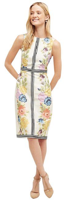 Item - White with Flowers Garden Grid Sheath By Payal Pratap New Tags. Mid-length Cocktail Dress Size 6 (S)