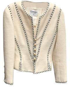 Chanel Chanel cadet styled/majorette wool boucle jacket.