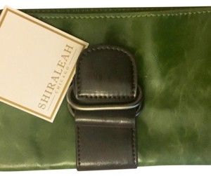 Shiraleah green Clutch