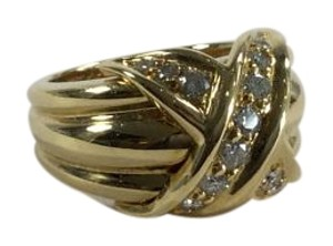 Tiffany & Co. Tiffany & Co. Large 18k Yellow Gold Signature X Kiss Diamond Ring