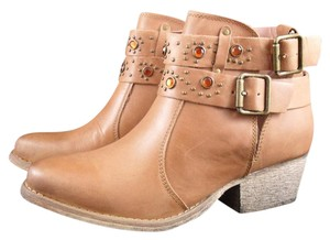 Betsey Johnson Willow Leather Tan Boots