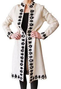 Kenar Wool Embroidered Boucle Knit White Long Coat