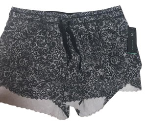 Lululemon Mini/Short Shorts black and white