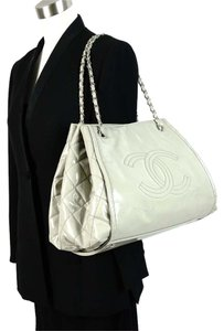 Chanel Vintage Leather Patent Shoulder Bag