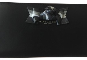 Marc Jacobs Marc Jacobs m0008964 black bow leather standard continental wallet