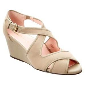 Taryn Rose natural / taupe Wedges