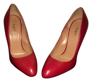 ALAÏA Red Pumps