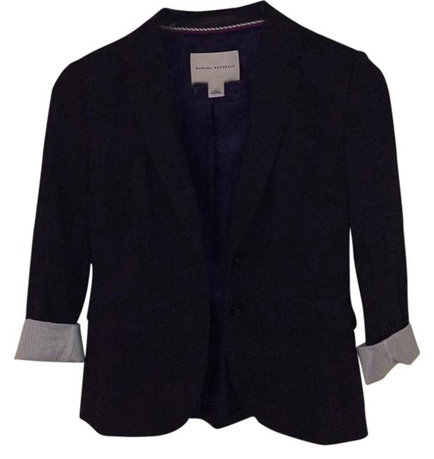 Preload https://img-static.tradesy.com/item/20740344/banana-republic-navy-lightweight-wool-two-button-blazer-skirt-suit-size-petite-2-xs-0-3-650-650.jpg