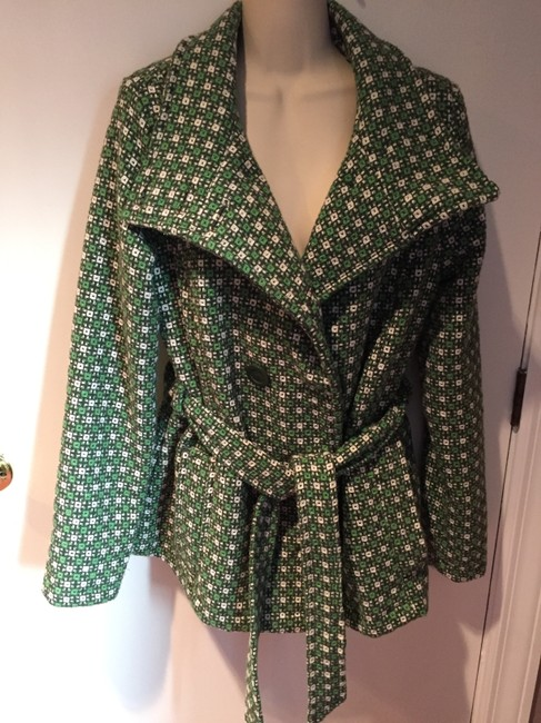 Preload https://img-static.tradesy.com/item/20741187/green-white-and-black-never-worn-louie-lucie-size-12-l-0-0-650-650.jpg