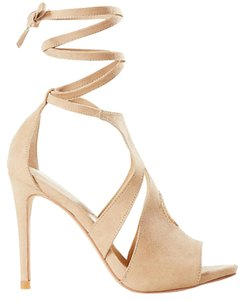Express Natural 124 Pumps