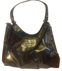 Coach Patent Leather Sophisticated Stylish Matching Wallet Shoulder Bag