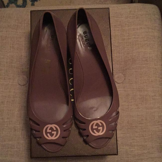 Item - Mauve/Pink Rubber Wedge Heels Sandals Size US 8 Narrow (Aa, N)
