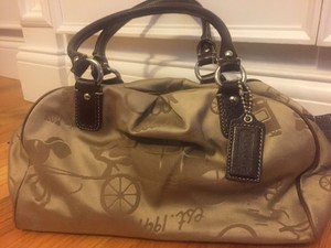 Coach Jacquard Satin Horse Carriage Rare Matching Wallet Zoe Zip Satchel in Tan and Brown