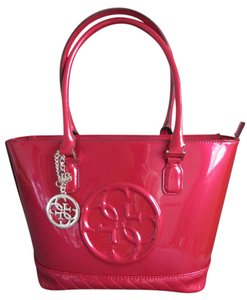 Guess Korry Patent Patent Korry Tote in Red