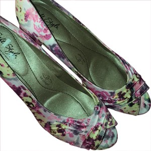 Hush Puppies floral Pumps