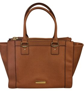 Liz Claiborne Like New Slightly Used Fits Small Laptop Ipad Or Nook Easily Tote in Dark Camel