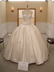Pnina Tornai New Never Worn With Sweetheart Neckline And Drop Waist Ballgown Wedding Dress