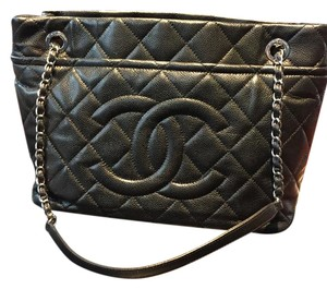 Chanel Leather Quilted Tote in Black