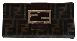Fendi Burberry women wallet canvas and leather.