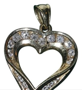 Others Follow Diamond heart pendant