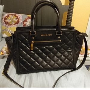 Michael Kors Satchel in Black quilted leather