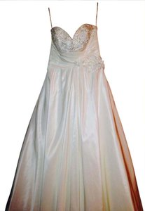 Private Label By G Private Label By G Kenneth Winston Wedding Dress