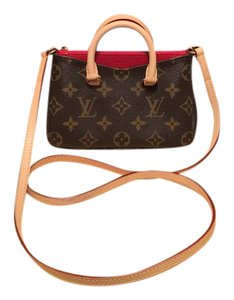 FINAL SALE Louis Vuitton Cross Body Bag