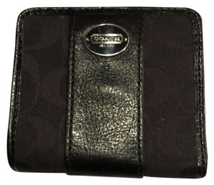 Coach compact wallet with zipper pocket