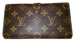 Louis Vuitton Kiss lock Wallet.