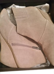 Kenneth Cole Reaction Taupe Boots