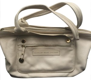 Marc by Marc Jacobs Tote in beige/cream