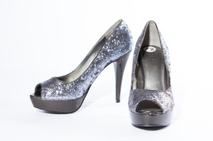 Guess Slip On Peep Toe Silver Pumps